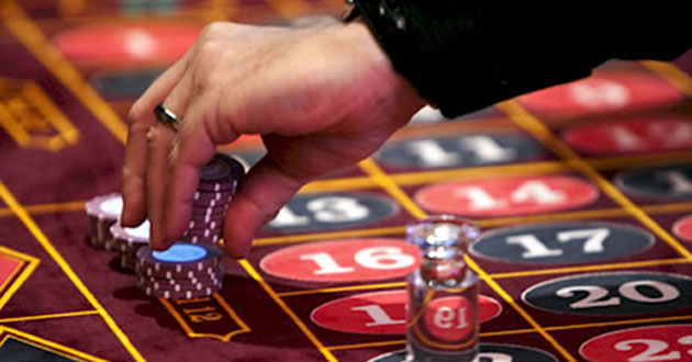 Mengetahui Teknik Bermain Poker Online Terlengkap dengan Baik